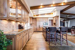 עיצוב מטבח הישן באמצעות פינוי דירה ממוקד